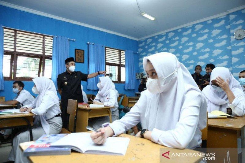 Disdik Riau kembali hentikan sekolah tatap muka menyusul meningkat lagi penyebaran COVID-19