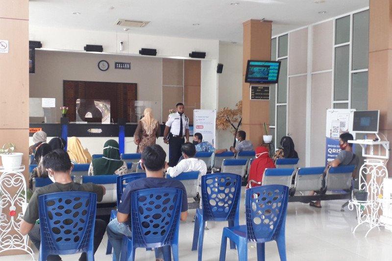 Bank Nagari Cabang Simpang Empat Pasbar sediakan pecahan Rp75 ribu