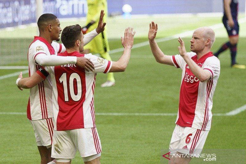 Ajax legalisir gelar juara Liga Belanda usai cukur  Emmen