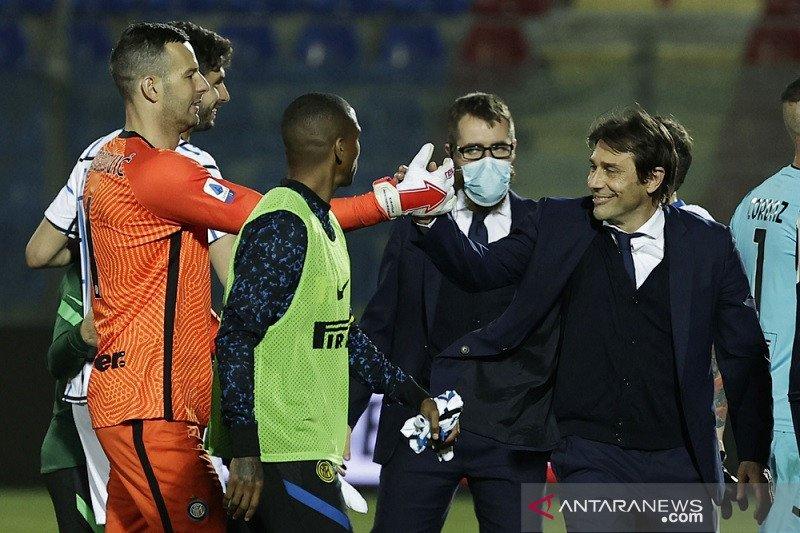 Antonio Conte sumringah, selangkah lagi buat catatan bersejarah untuk Inter