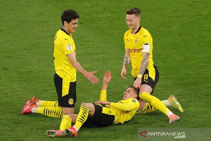 Dortmund melenggang mulus ke final DFB Pokal menang 5-0 lawan Holstein