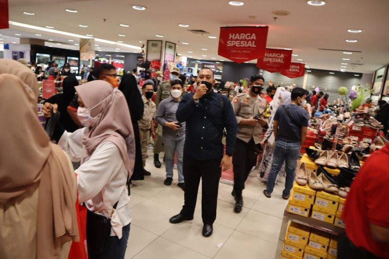 Di Makassar, pengelola mal yang mengabaikan protokol kesehatan kena tegur
