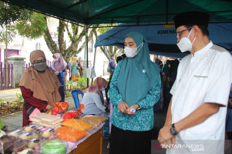Ingin bahan kebutuhan dengan harga terjangkau, buruan ke Bazar dan Pasar Murah Bukittinggi (video)