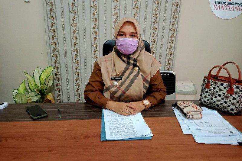 Jelang Idul Fitri, transaksi jual beli masyarakat di lima pasar tradisional Lubuk Sikaping hanya mencapai 50 persen