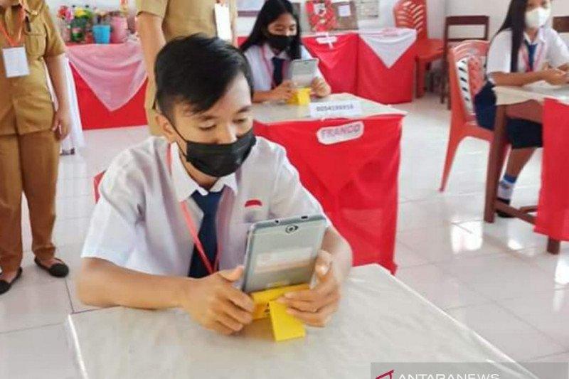Terapkan Prokes secara ketat, ribuan siswa di Minahasa Tenggara ikuti UAS