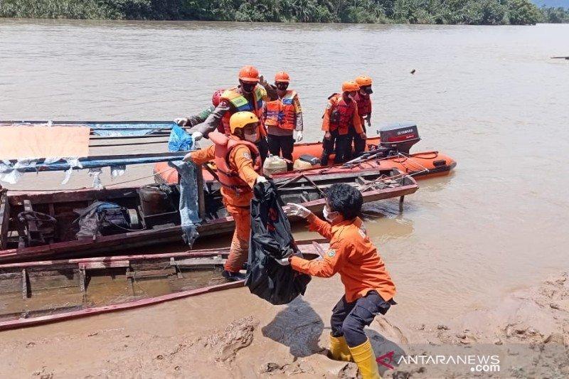 Tim SAR temukan dua jenazah korban  longsor Tapanuli Selatan