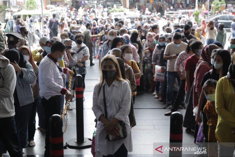 Disdagin Bandung koordinasi bersama pengelola pasar cegah kerumunan