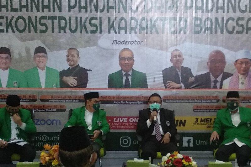 Imam Besar Masjid Istiglal ikuti bedah buku pesantren Padanglampe UMI