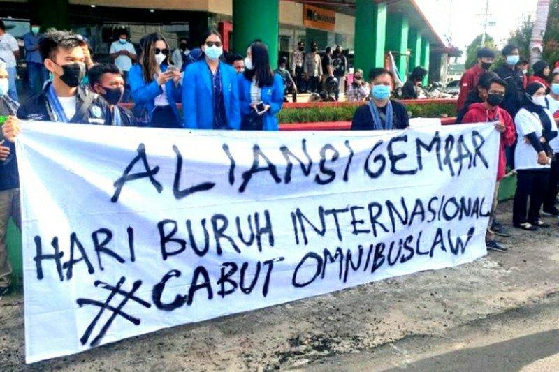 Aksi peringati May Day berlangsung damai
