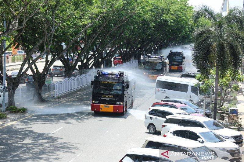 Epidemiolog kritik Satgas COVID-19 Riau masih semprotkan disinfektan di jalan