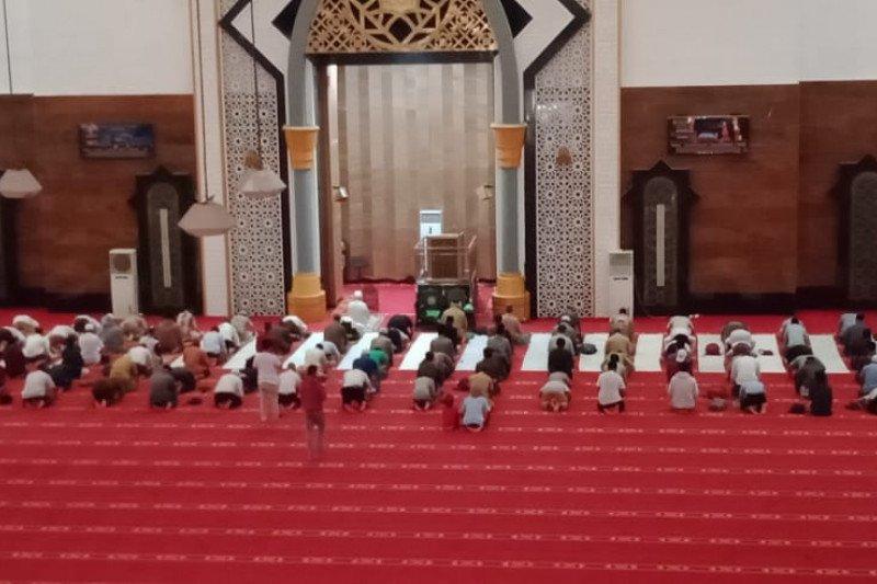 Kemenag Mataram menyarankan perbanyak lokasi Salat Idul Fitri