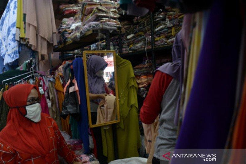 Belanja pakaian jelang Lebaran di Gowa