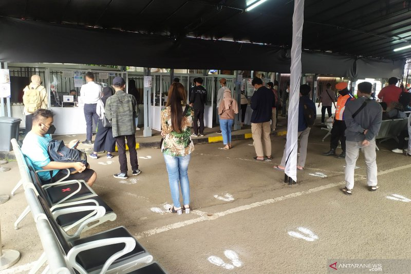 Penumpang kereta di stasiun Bandung diprediksi naik jelang larangan mudik