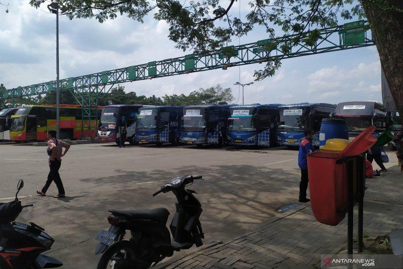 Terminal Leuwipanjang Bandung tidak ada lonjakan calon penumpang