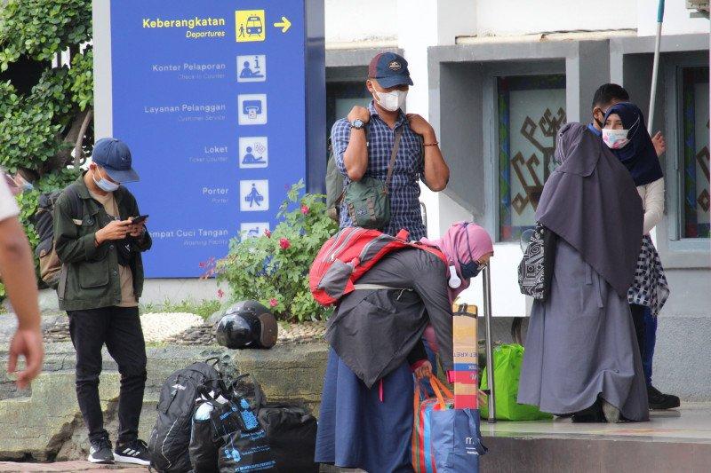 Gubernur Lampung minta simpul transportasi perketat prokes jelang Lebaran