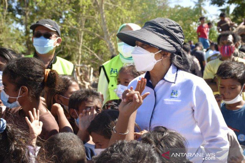 Menteri PPPA berikan dukungan pada perempuan-anak korban bencana di NTT