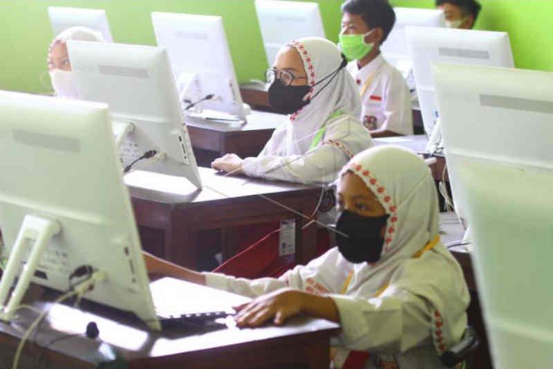 Pandemi COVID-19 tak surutkan semangat belajar siswa di Cirebon