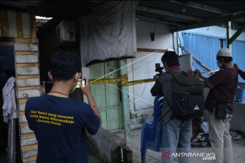 Densus 88 amankan barang di markas eks FPI di Makassar