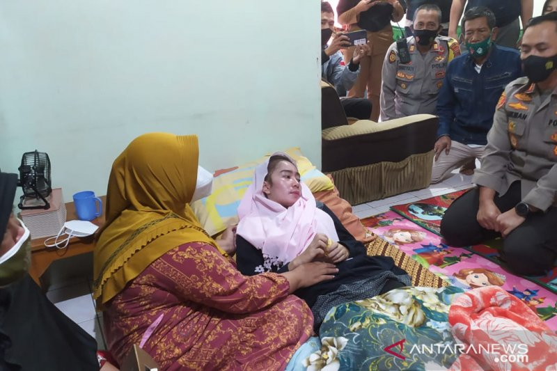 Kebutaan guru di Sukabumi bukan akibat vaksin, kondisinya mulai membaik