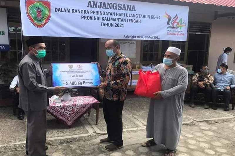 DPRD Kalteng ikut salurkan bantuan sembako ke panti asuhan