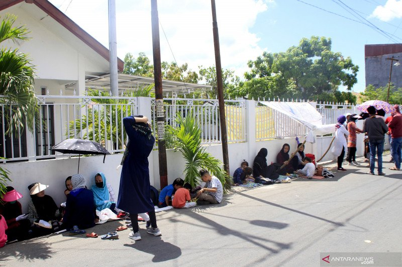 Pengungsi Afganistan kembali berunjuk rasa di depan kantor IOM