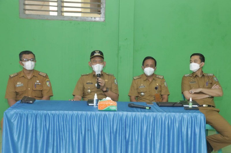 Wakil Bupati Pringsewu pimpin apel aparatur Pekon Rejosari
