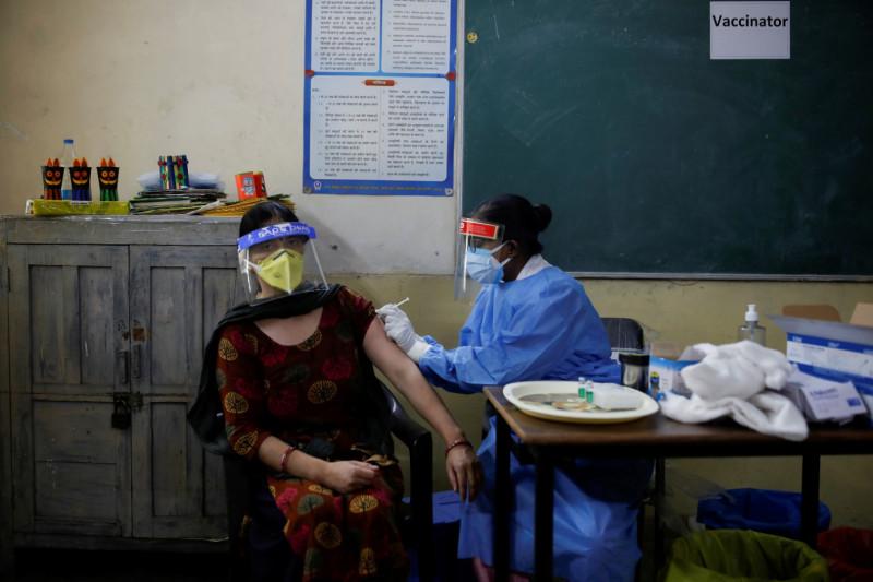 Studi vaksin India: Antibodi COVID turun drastis setelah 4 bulan vaksinasi