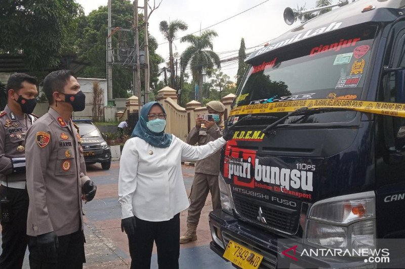 Satgas COVID-19 Bogor amankan 9 kendaraan travel gelap angkut pemudik
