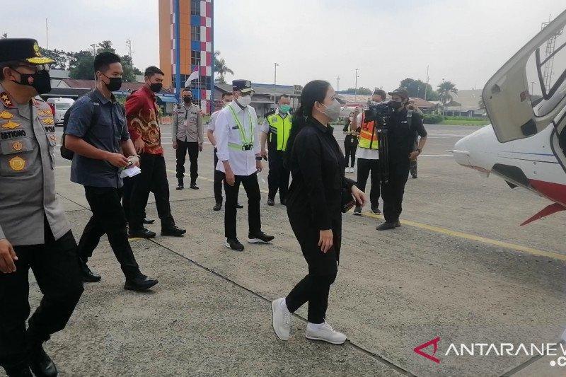 Menhub, Ketua DPR dan Kakorlantas pantau Tol Trans Jawa naik helikopter