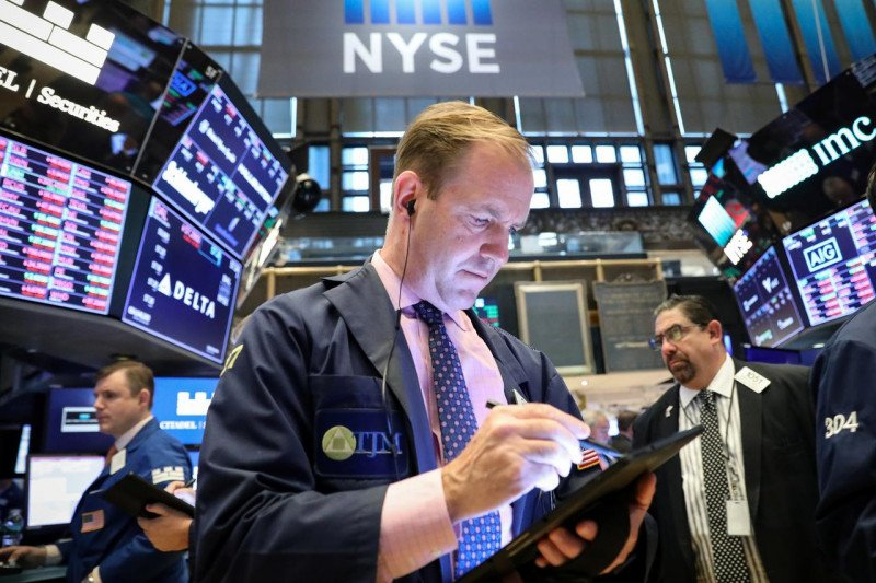 Wall Street dibuka lebih rendah dipicu penurunan saham teknologi