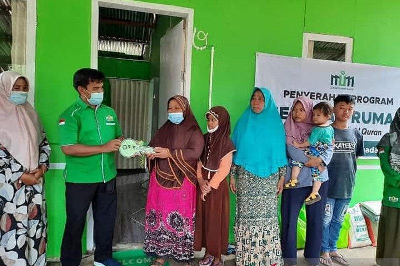 Keluarga yatim ini mendapat rumah baru dari program sedekah Lazis Mitra Ummat Madani