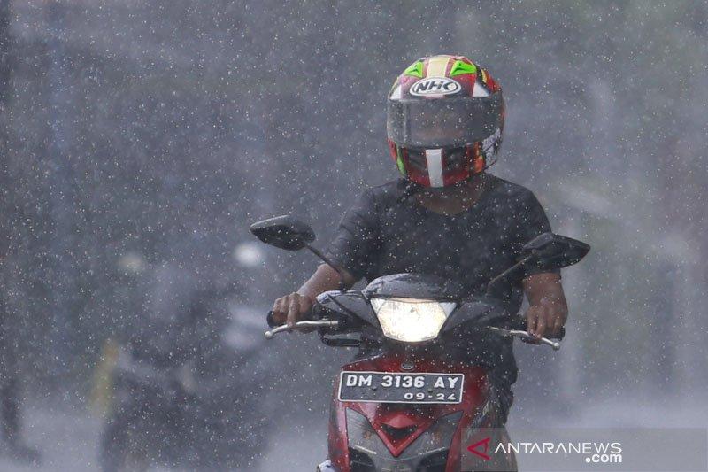 BMKG: Hujan lebat diprakirakan mengguyur sebagian wilayah Indonesia