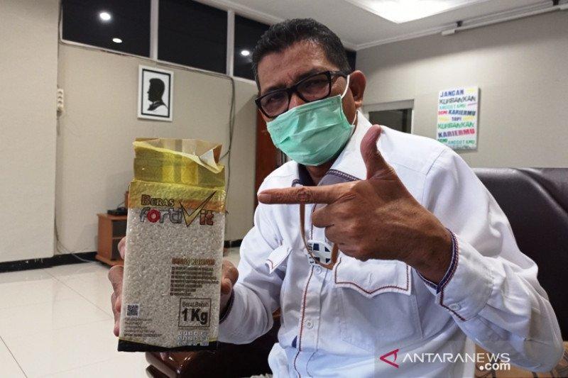 Gunakan beras lokal, beras bervitamin Fortivit bisa diperoleh di semua kantor Bulog Sumbar
