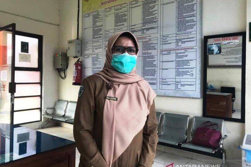 Takut dan kurang percaya kendala vaksinasi COVID-19 lansia di Tanah Datar
