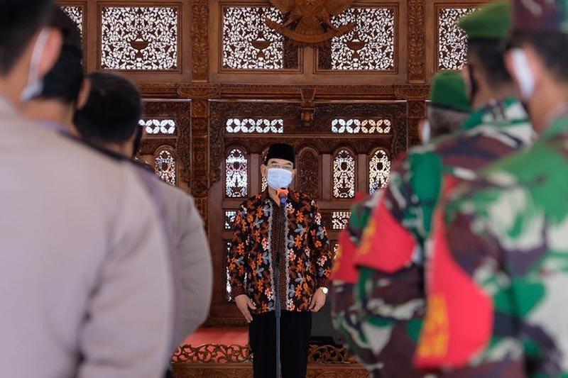 Pemkot berikan bingkisan Lebaran kepada Babinsa-Bhabinkamtibmas Magelang