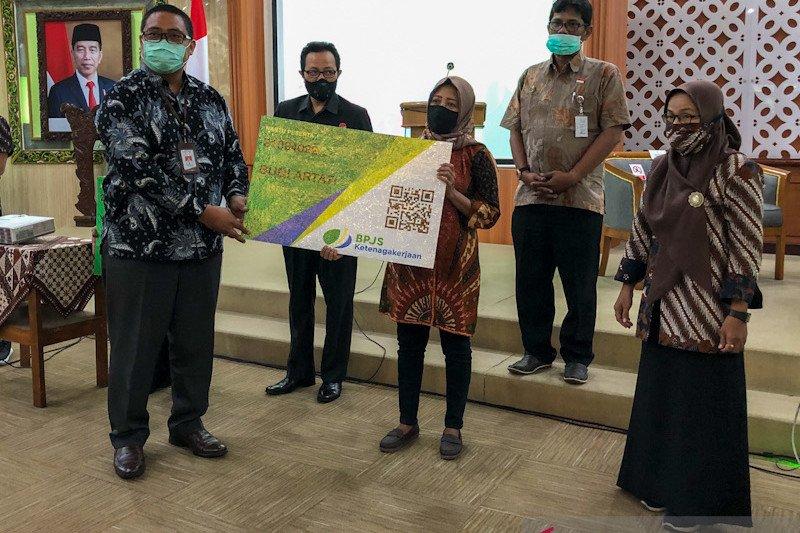 Sebanyak 350 relawan COVID-19 Yogyakarta menjadi peserta BPJAMSOSTEK