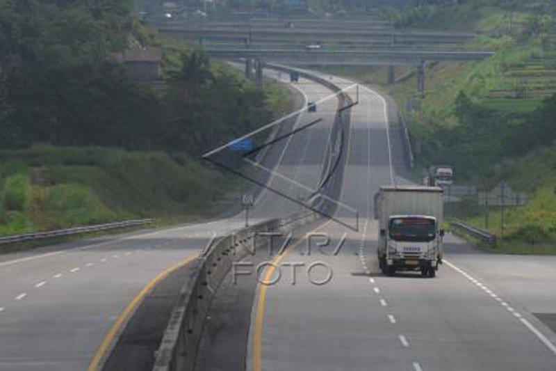 Arus lalu lintas Tol Salatig-Solo lengang