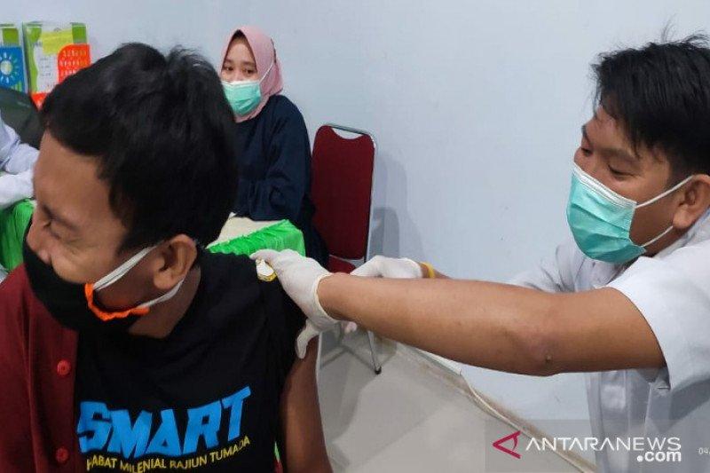 41.589 petugas publik di Sulawesi Tenggara  sudah divaksin COVID-19