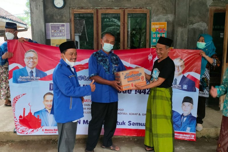 DPD PAN Kulon Progo bantu Ponpes Muhammadiyah Kokap-Girimulyo