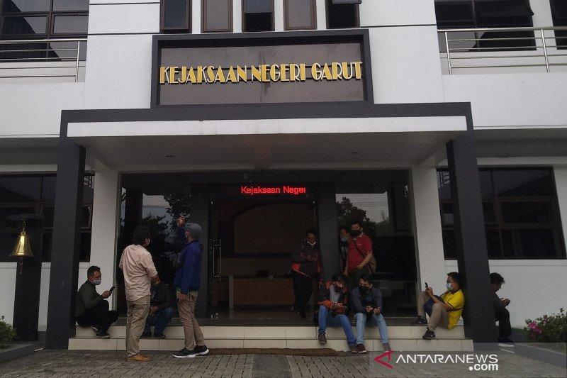 Kejari Garut tetapkan Kades Karyajaya Bayongbong sebagai buronan kasus korupsi