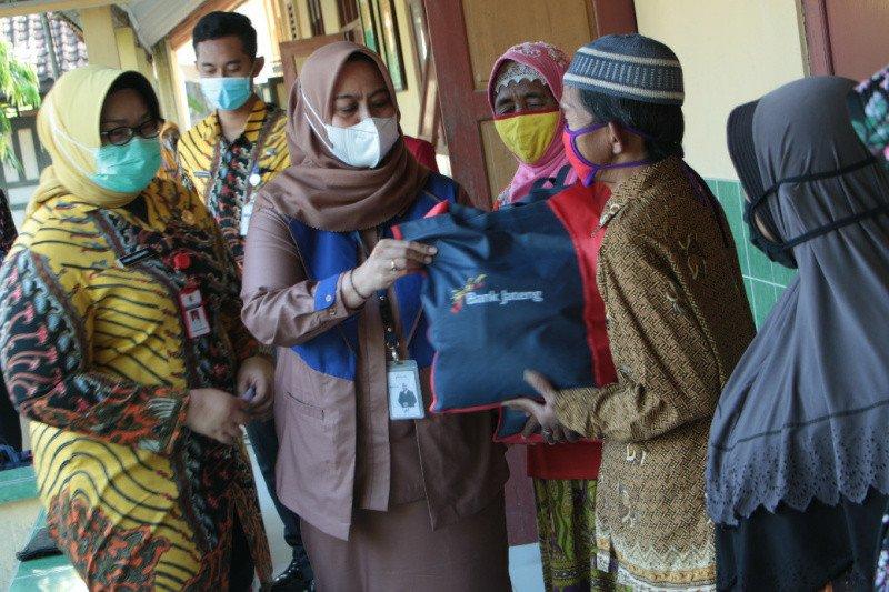 Bank Jateng Peduli Bumi Sukowati, bagikan 1.000 paket sembako
