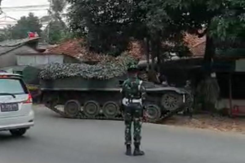 TNI AD bantah kerahkan tank untuk lakukan penyekatan larangan mudik