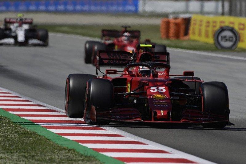 Duet tim Ferrari berusaha redam McLaren di Catalunya
