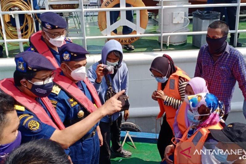Patroli laut Tanjung Priok mencegah nelayan mudik dengan kapal