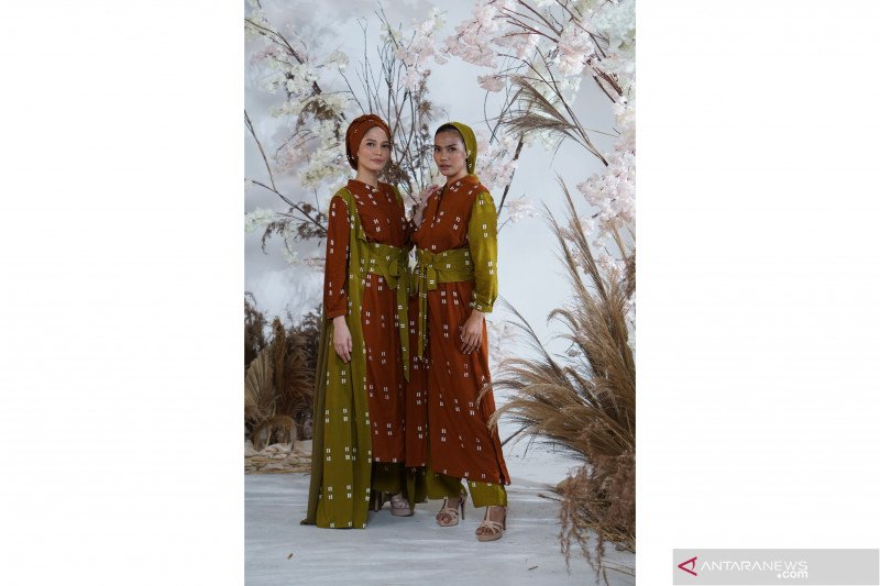 Tampil cantik berbusana Muslim dengan nilai inklusif