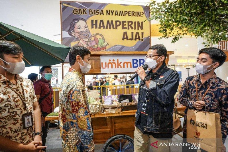 Menparekraf mengajak masyarakat belanja produk lokal untuk lebaran