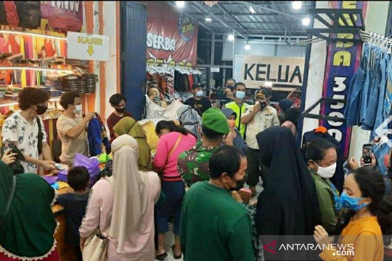 Pelaku usaha di Palu didenda Rp2 juta karena langgar prokes