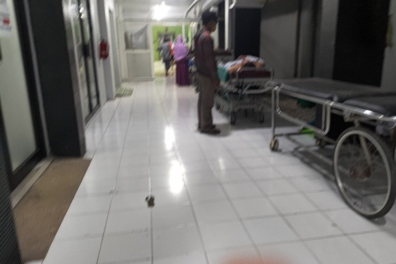 Ratusan petasan meledak saat diracik,  sembilan pemuda dilarikan ke rumah sakit akibat luka bakar serius