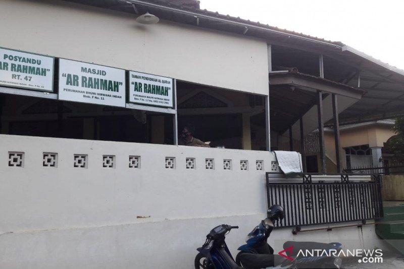 RT berstatus zona merah setelah jemaah masjid terpapar COVID
