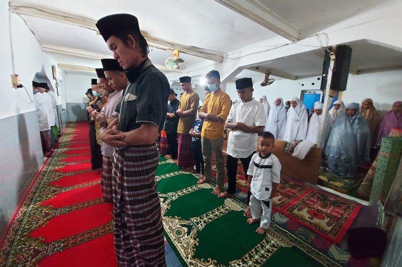 Jamaah Naqshabandiyah Padang sudah lakukan shalat Idul Fitri
